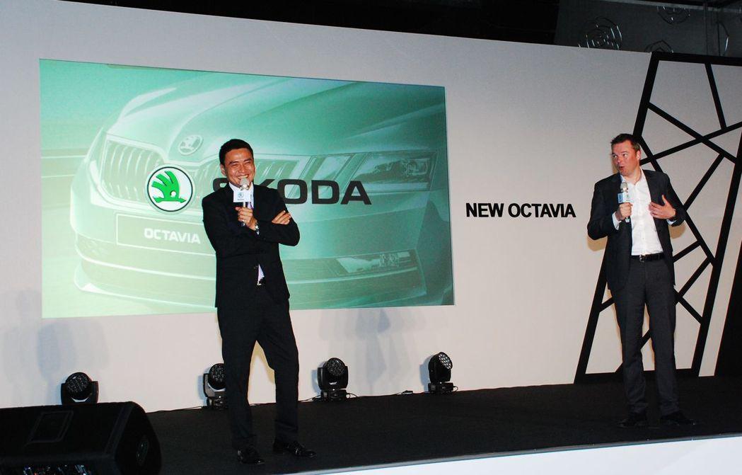 Skoda亞洲及中東區銷售總監Stefan Timmermann(右)和Sk...