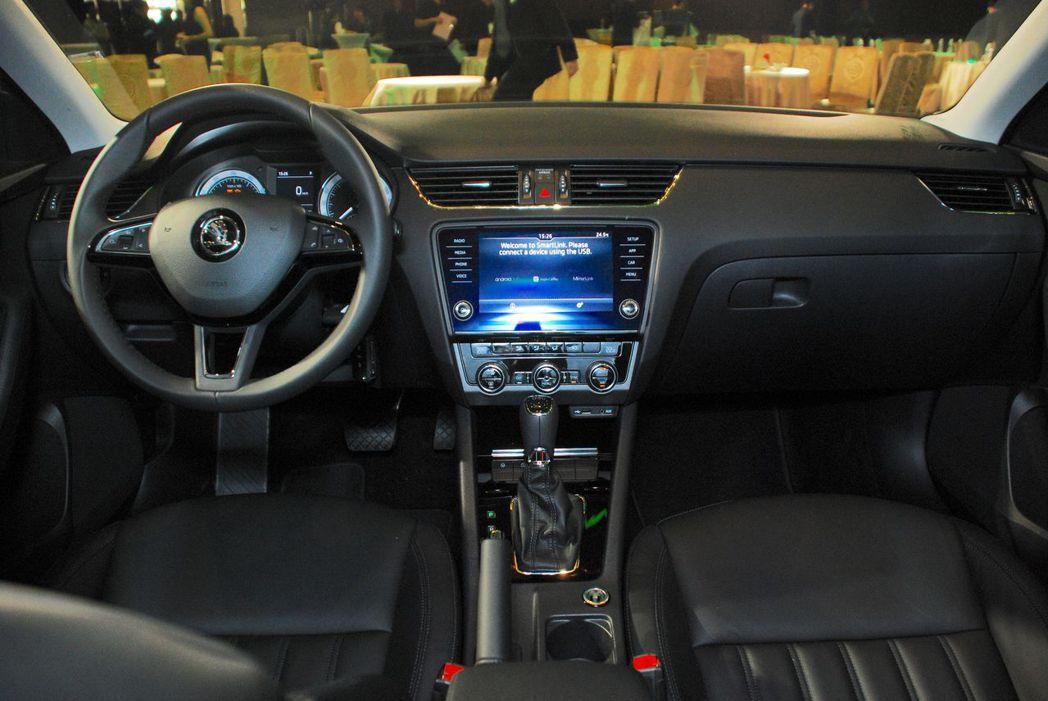 跟上一代的相比,New Octavia內裝更加科技。圖/記者林昱丞攝影