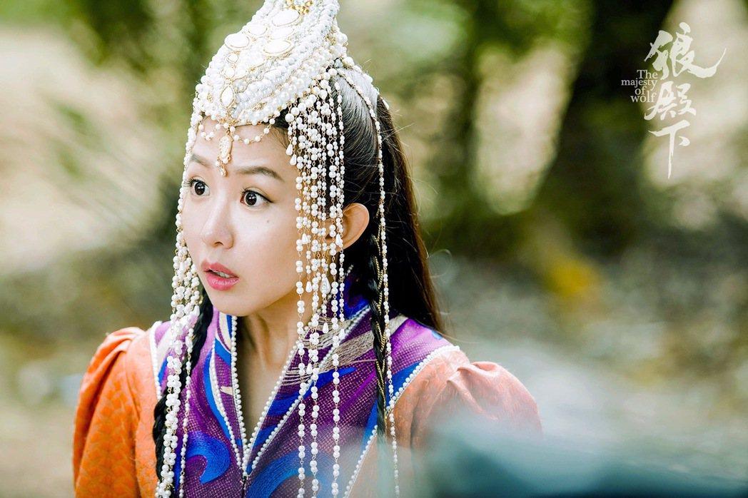 郭書瑤「狼殿下」首波劇照。圖/京騰娛樂提供