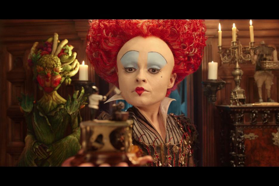 海倫娜寶漢卡特近年來在電影上多半是演出類似「魔境夢遊」紅皇后般的瘋狂女性。圖/摘...