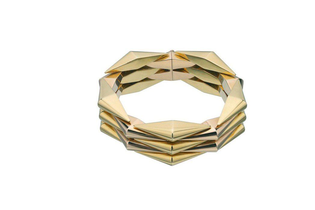 黛安克魯格配戴的寶格麗Heritage黃金玫瑰金手環。圖/BVLGARI提供