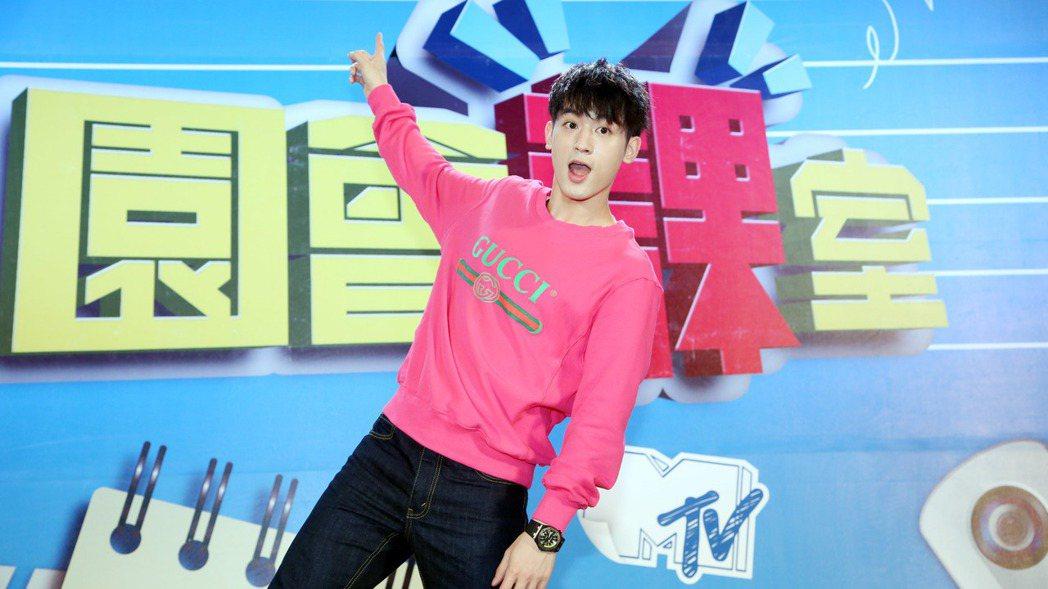 吳思賢錄MTV「校園會課室」。記者陳瑞源/攝影