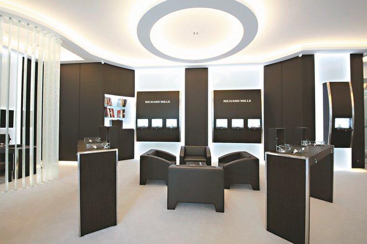 台北RICHARD MILLE旗艦店,店內裝潢設計由品牌藝術總監Mélanie...