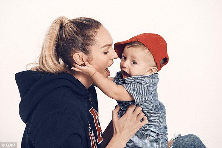 維多利亞的秘密天使 Candice Swanepoel 和兒子Anacã。圖/擷...