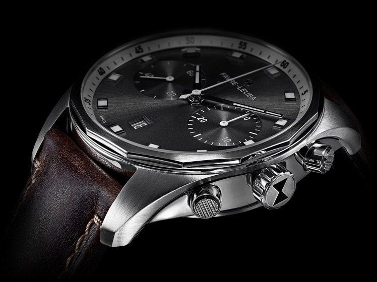 錶身維持枕型線條,增加的錶耳設計讓錶款更為修長。為求配戴舒適,錶耳相下微弧,讓錶...