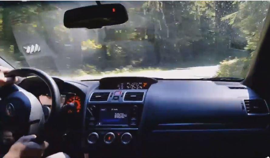 網路上流傳一段影片,內容是一名 Subaru WRX STI 車主以極快的速度在...
