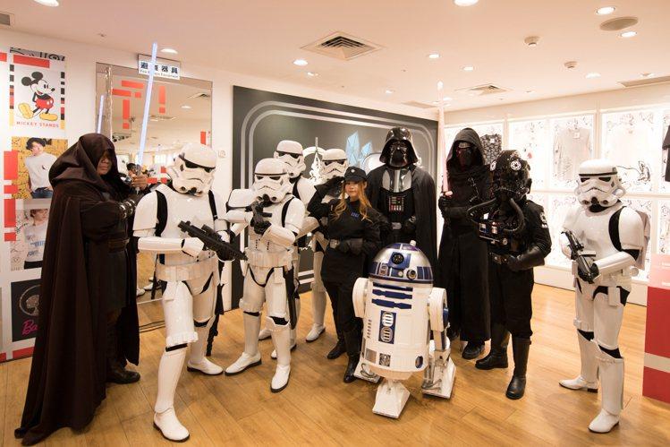 國際星戰日,STAR WARS迷在UNIQLO西門店開趴。圖/迪士尼提供