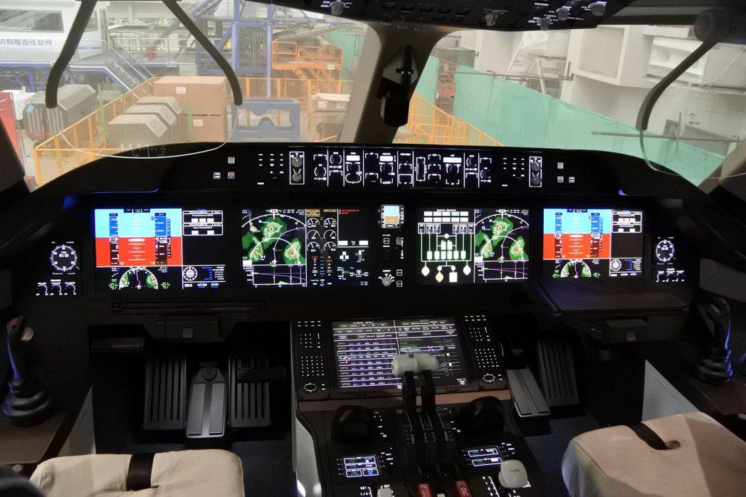 中國商飛C919客機駕駛艙模型。 記者杜宗熹/攝影