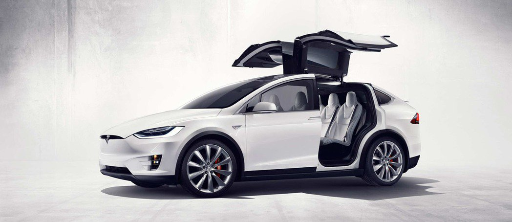 Model Y據說也會有鷗翼車門。圖為Model X。圖/Tesla提供