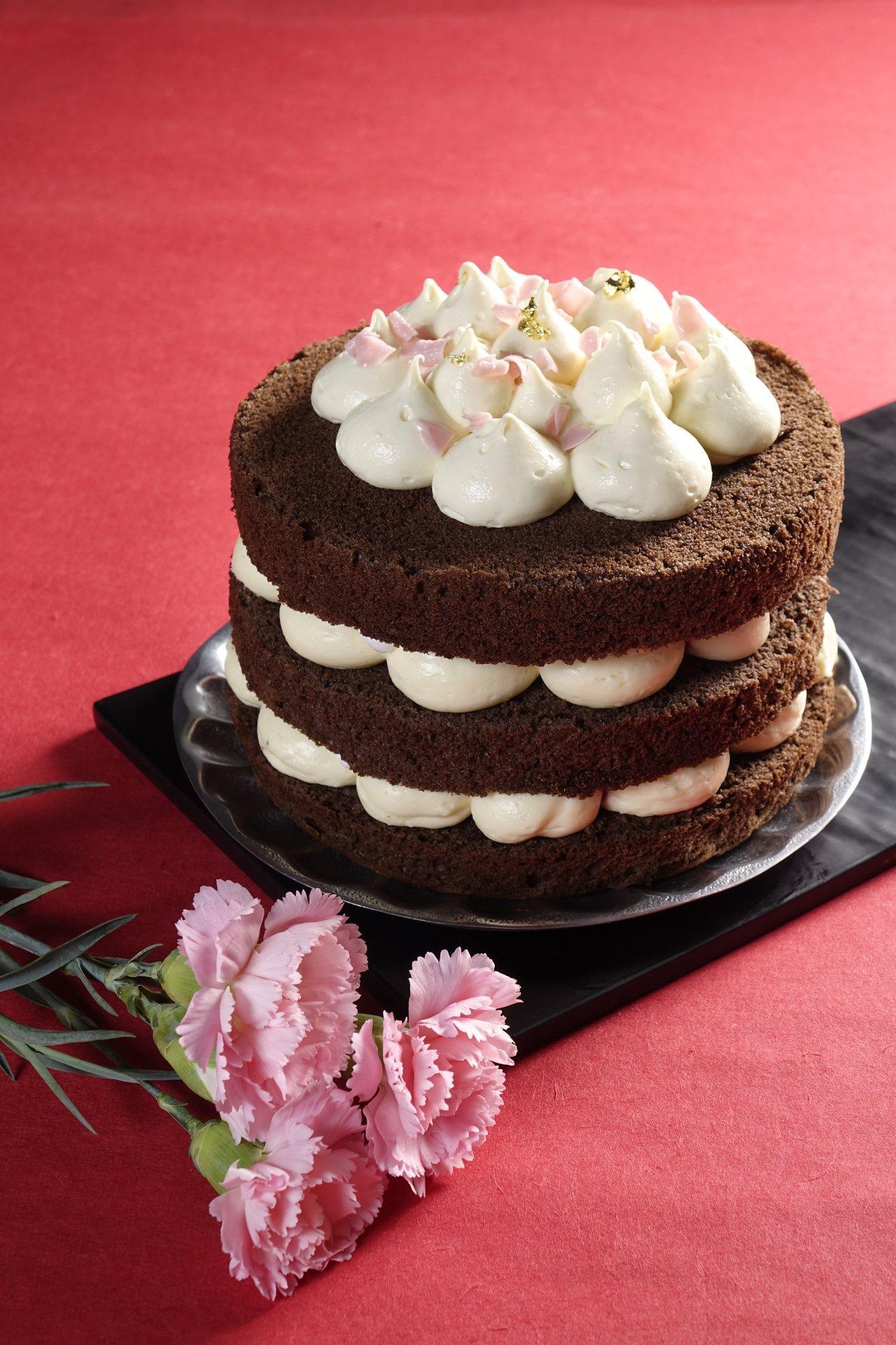 母親節莓酪可裸蛋糕,6吋、預購特惠499元。圖/路易莎咖啡提供