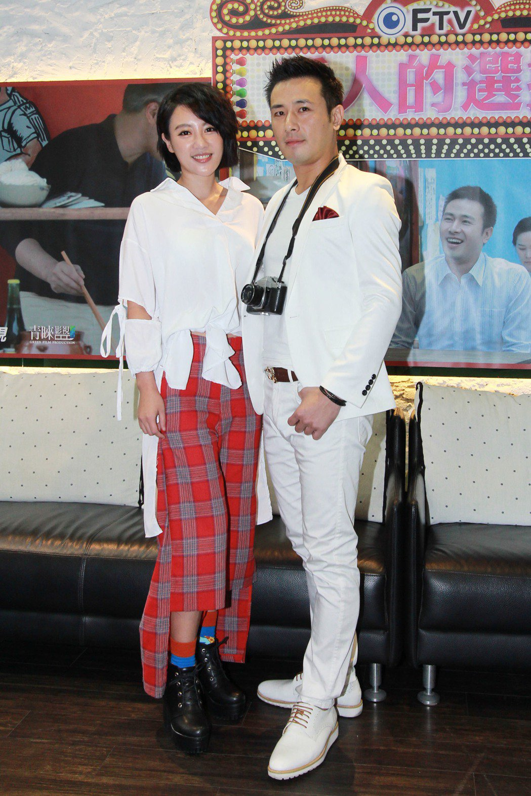 方宥心(右)、傅子純主演「外鄉女」第二單元,床戲、吻戲多。圖/民視提供