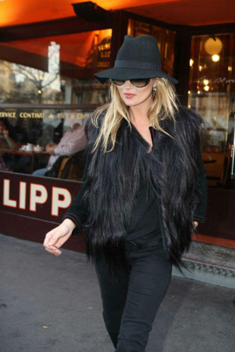 凱特摩絲將Maison Michel紳士帽詮釋得相當硬派。圖/MINOSHIN提...