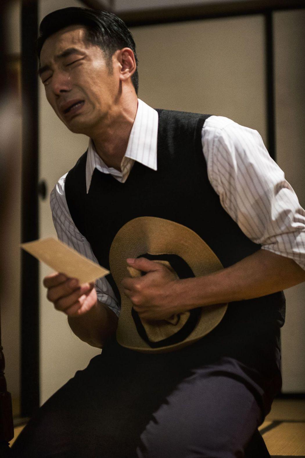 李李仁在戲中飾演日治時代一心想當日本人的鄉下仕紳。圖/台視提供