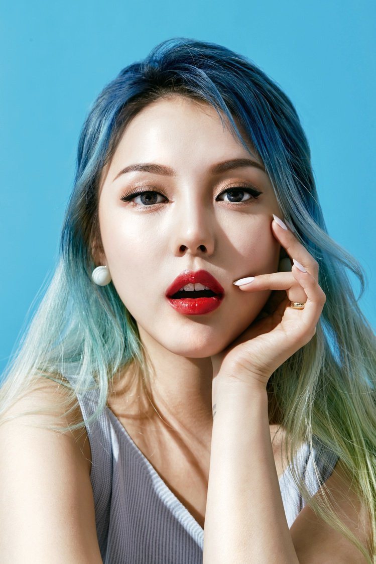 「韓國美妝部落客始祖」PONY。圖/新光三越提供