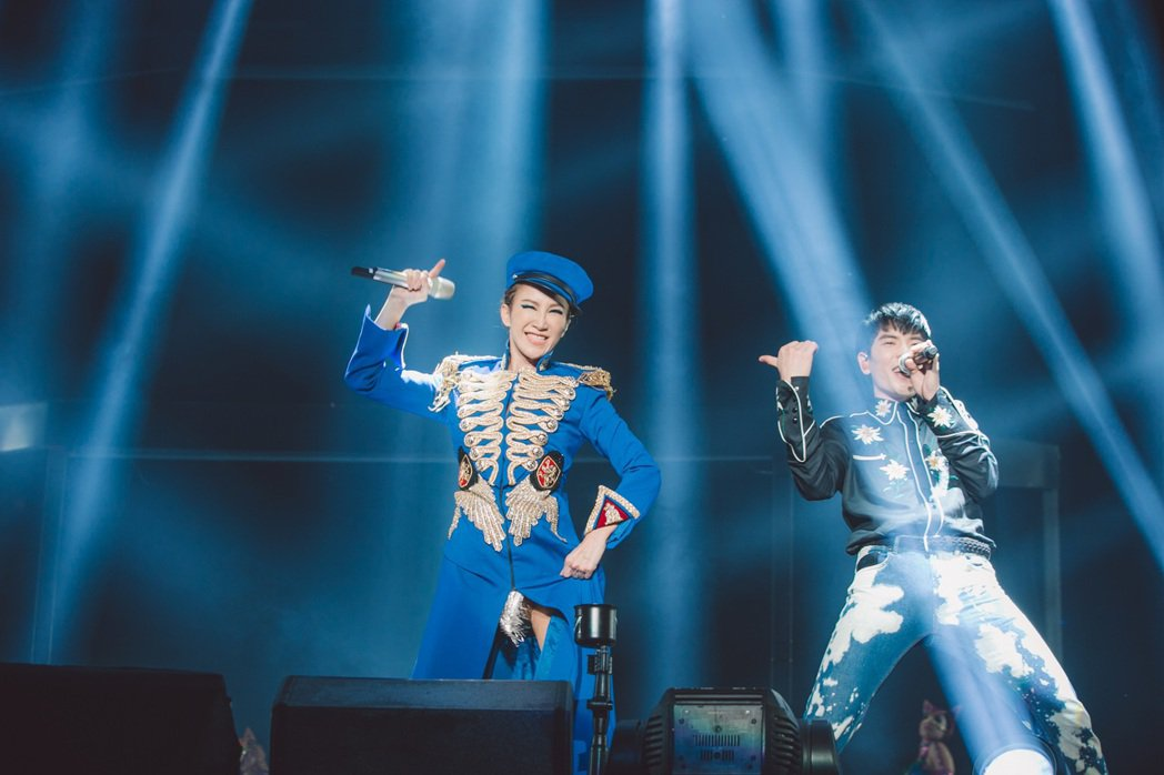 CoCo李玟「18」巡演深圳首站,化身百變天后。圖/Timeless Treas