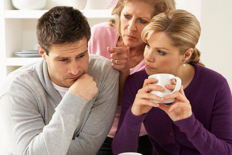 母子、婆媳示意圖。ingimage授權