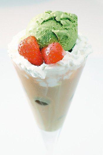 漂浮抹茶冰淇淋 記者蘇健忠/攝影