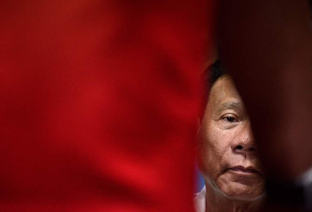 杜特蒂的發言將他自己塑造成一個不僅著眼於東南亞,還有能力在外交上顧及整個東亞安全...