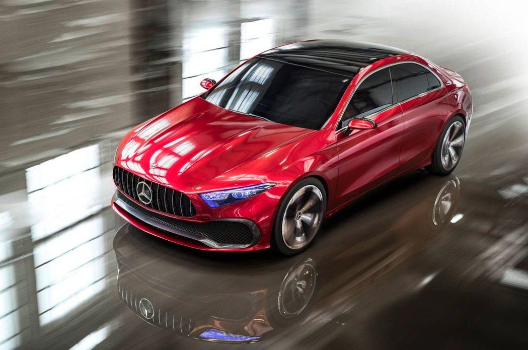 Mercedes-Benz 於日前證實,在自家的 MFA 前驅平台模組中,將由現有的五款車型另外增加三款,達到共計 8 款車型的規劃。圖為 Concept A Sedan。 摘自 Mercedes-Benz