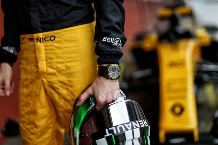 為見證雷諾車隊出征F1中國大獎賽,官方計時夥伴Bell & Ross推出全新BR...