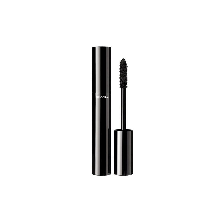 完美比例濃密睫毛膏 #10 黑釉,6g,1,200元。圖/香奈兒提供