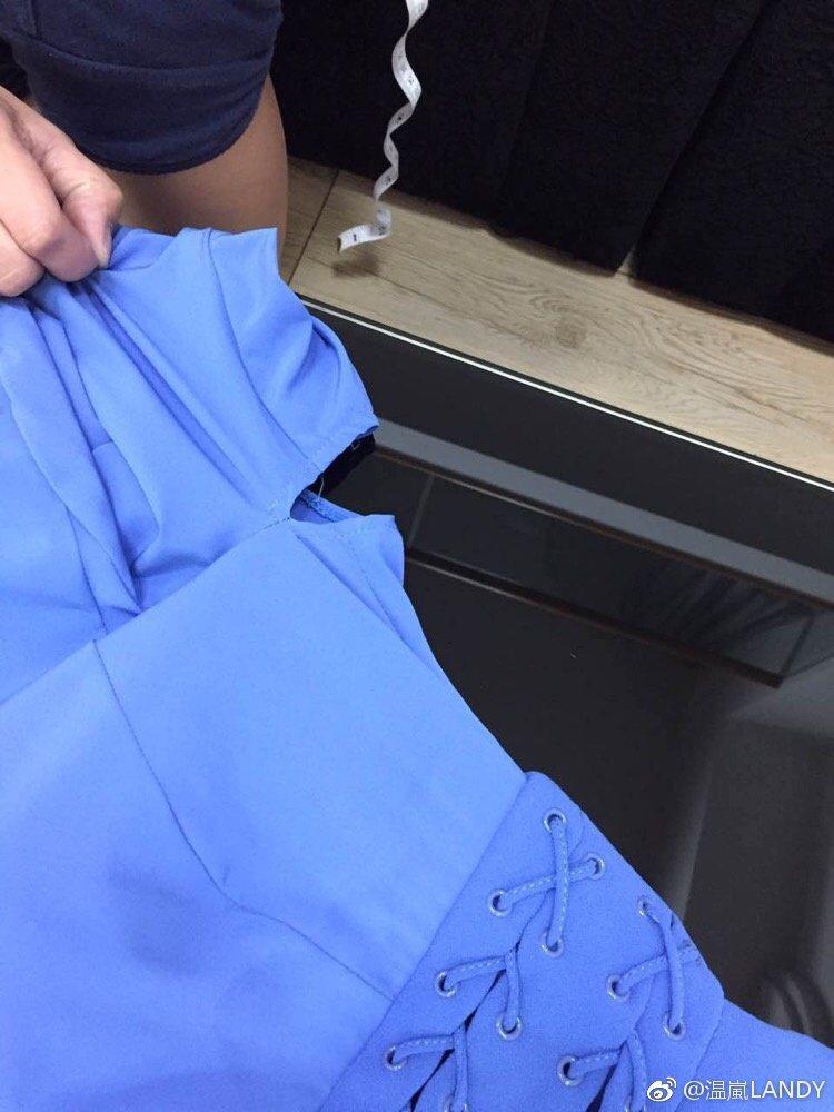 溫嵐表演服裝袖子上的洞是特意設計的。 圖/擷自溫嵐微博