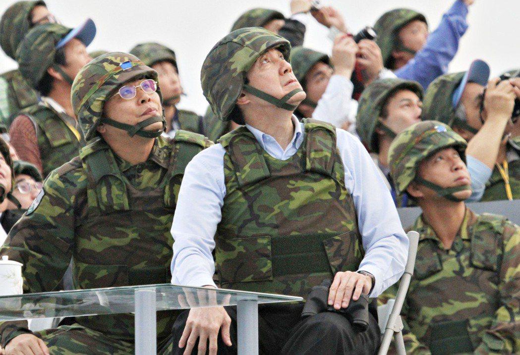 漢光29號演習,時任總統馬英九視導演習過程。 記者 曾學仁/攝影