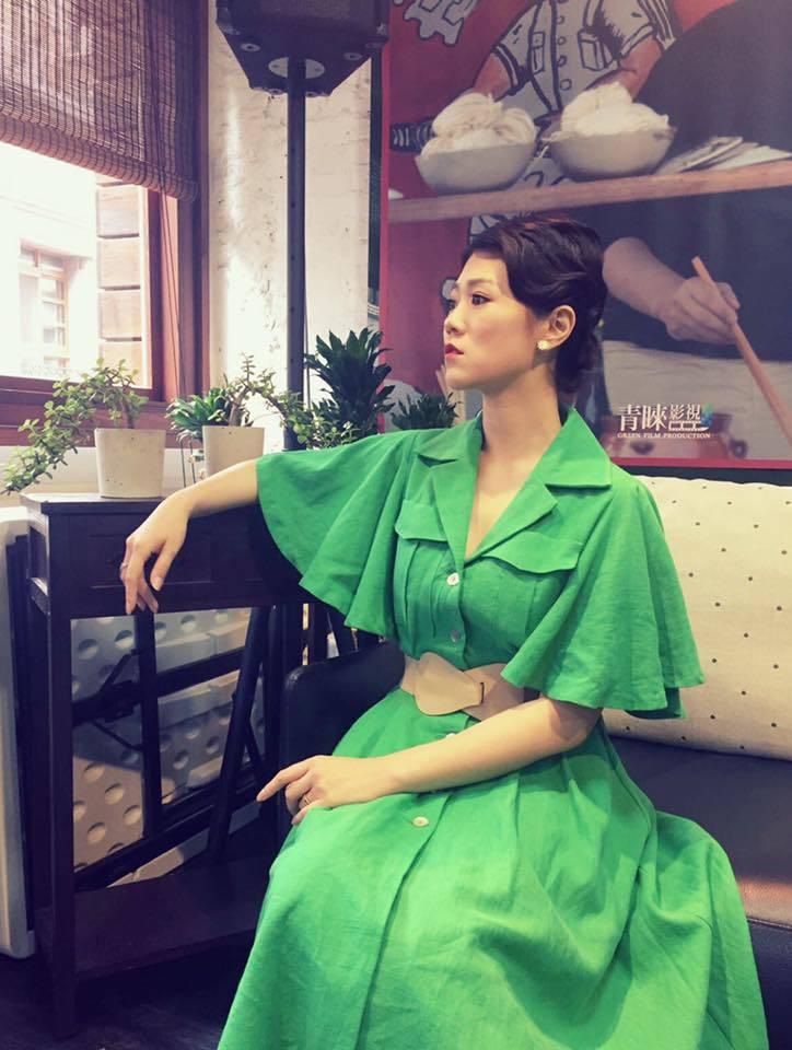 曹雅雯忍著雙腳不適,日前仍亮麗出席「外鄉女」粉絲會。圖/摘自曹雅雯臉書