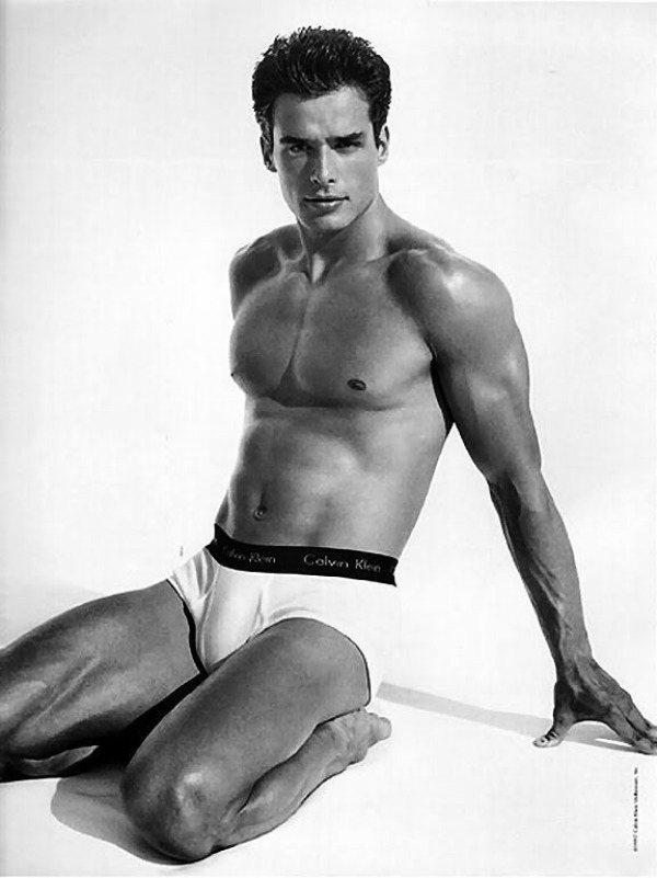 小安東尼奧薩巴托曾是經典內褲男模。圖/摘自GOPLifer
