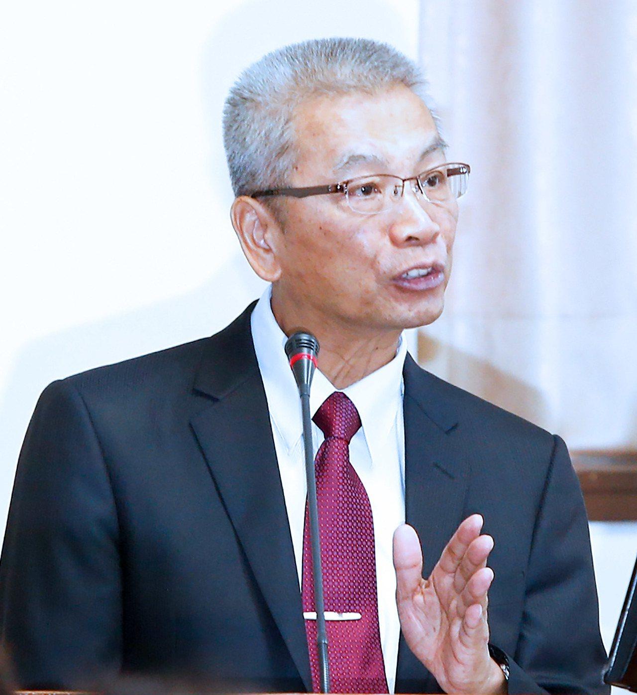 財政部長許虞哲上午在立法院接受質詢。記者程宜華/攝影