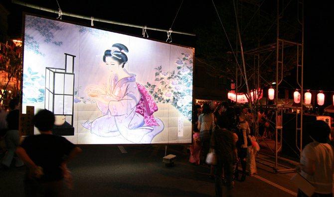 小安峽的七夕繪燈籠祭典有300年歷史,充滿日本典雅女性美。 圖/翻攝秋田湯澤觀光...