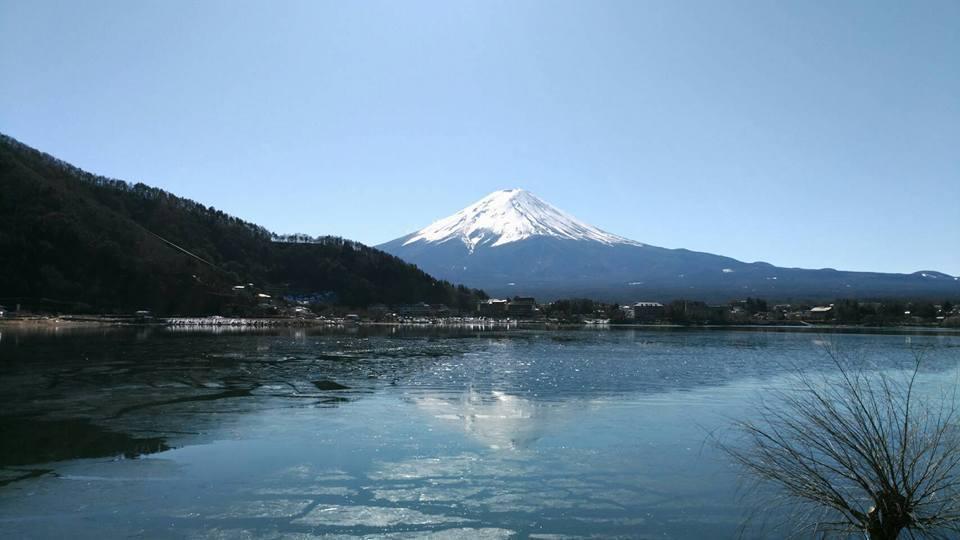 富士山也是活火山。 本報資料照片