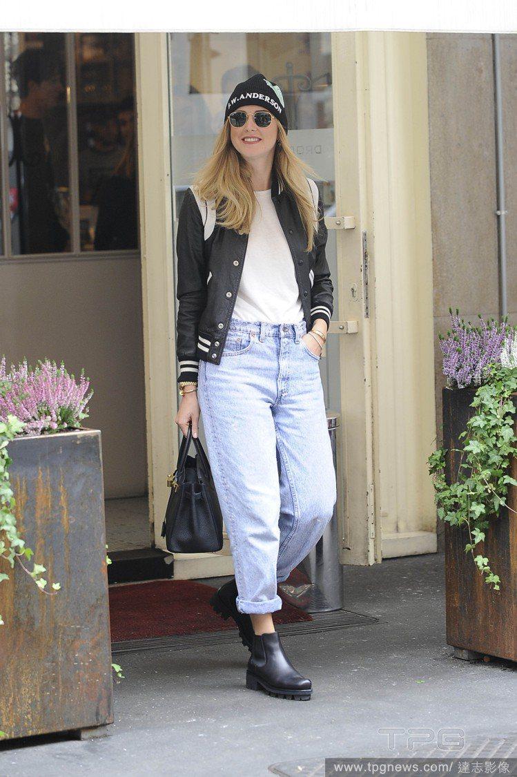 時尚部落客Chiara Ferragni 穿Mom Jeans。圖/達志影像
