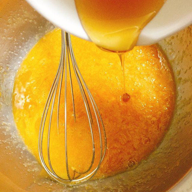 加入蜂蜜有助口感柔軟。