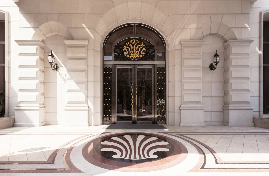 皇室門廳輝煌典雅。 圖片提供/百立建設