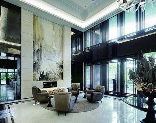 大廳挑高7米8 尊貴氣派