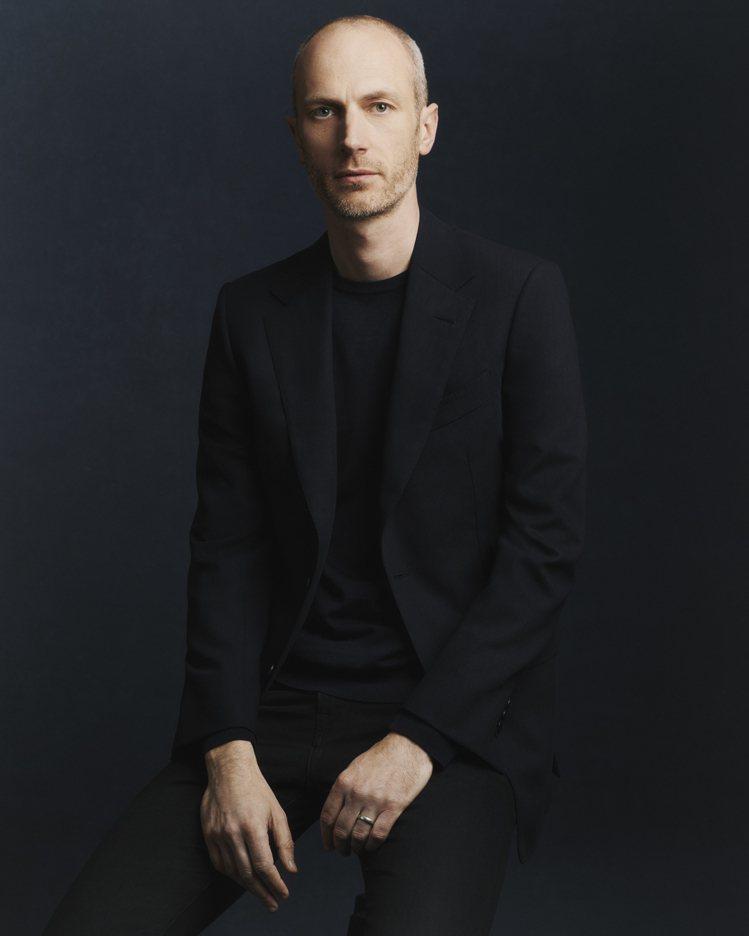 dunhill正式宣佈由設計師Mark Weston接任品牌創意總監。圖/dun...