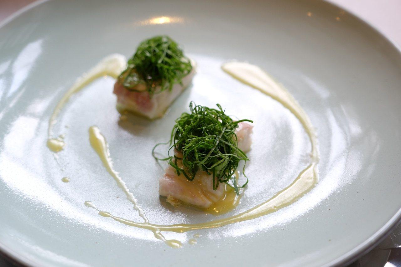 哈利巴鰈魚、野生蒜葉、奶油萵苣。圖/台北花園酒店提供
