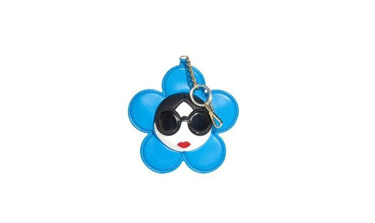Stace Face藍色花朵吊飾,3,900元。圖/alice+olivia提供