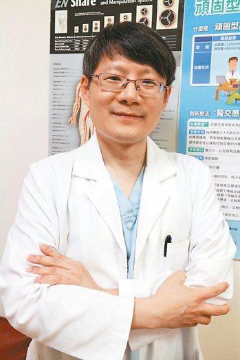 振興醫院心臟血管內科主治醫師黃建龍表示,如今新型的腎交感神經阻斷術手術時間僅需3...