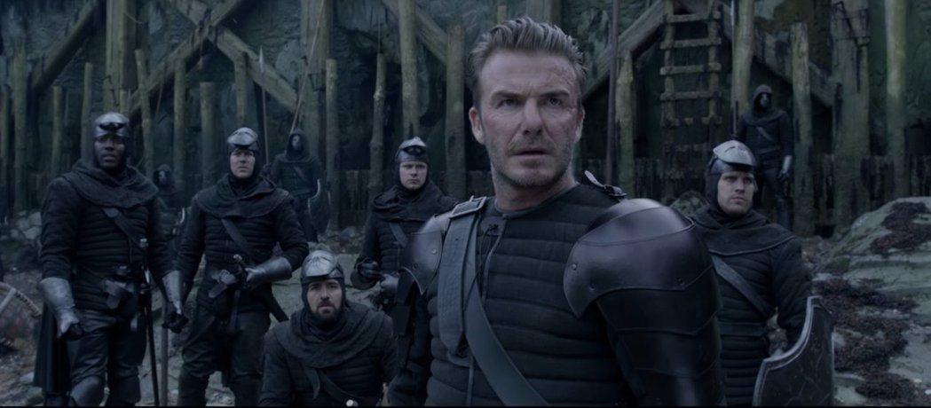 貝克漢在電影「亞瑟:王者之劍」客串一角。 圖/擷自Youtube