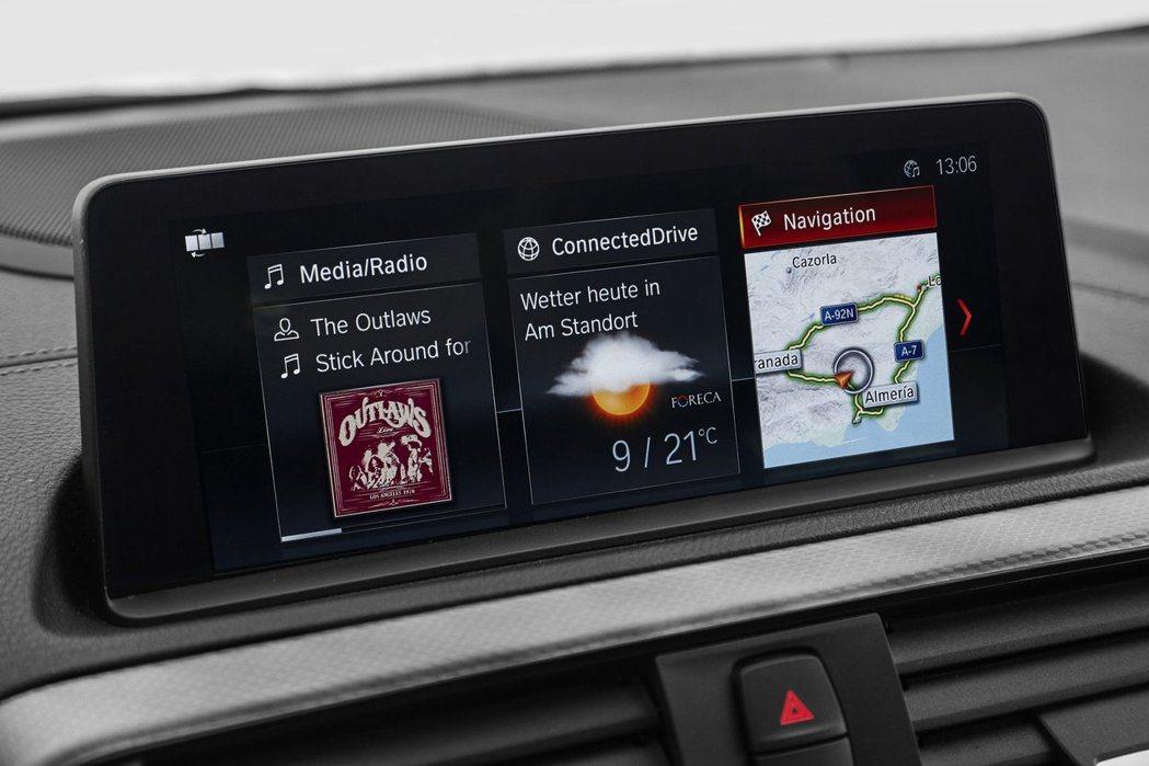 小改款BMW 1-Series可選擇專業導航系統。圖/BMW提供