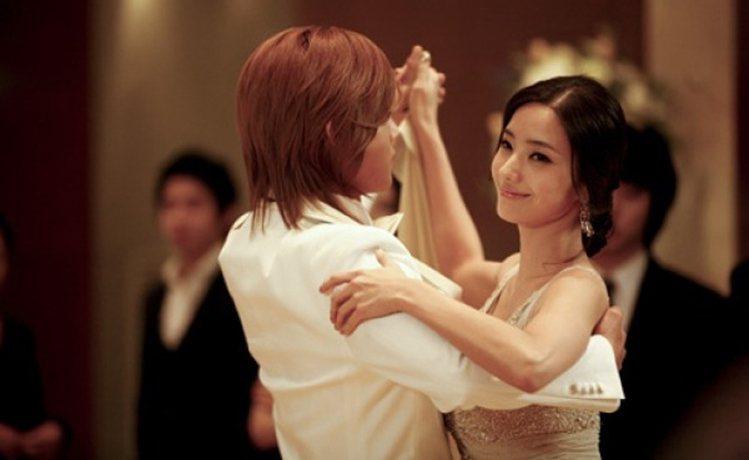 韓彩英在「韓版流星花園」中飾演韓星金賢重的初戀。圖/擷自微博