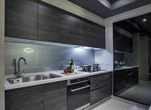 廚房空間寬敞/業者提供