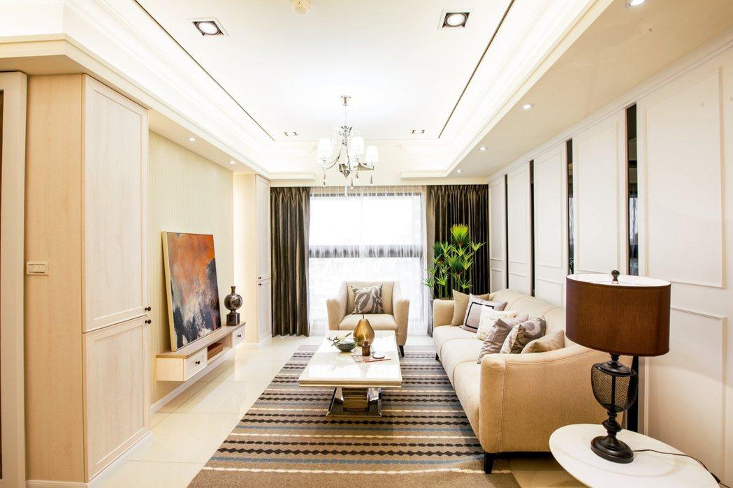 新古典3房實品屋在空間設計上以以沉著大器的新古典風格為空間設計的基調。 超級花園...