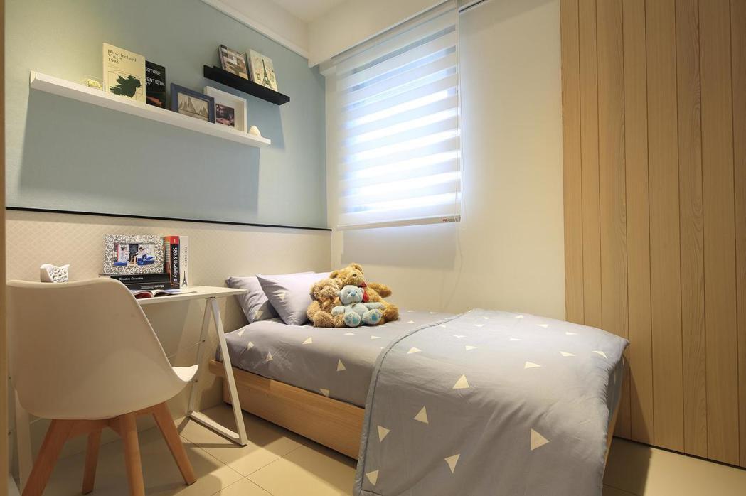 次臥室活潑清新。 皇翔御花園/提供