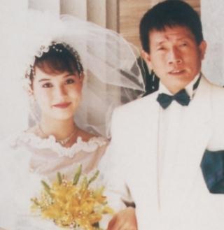 翁靜晶和大30歲的劉家良結婚,曾引發話題。圖/摘自新浪博客