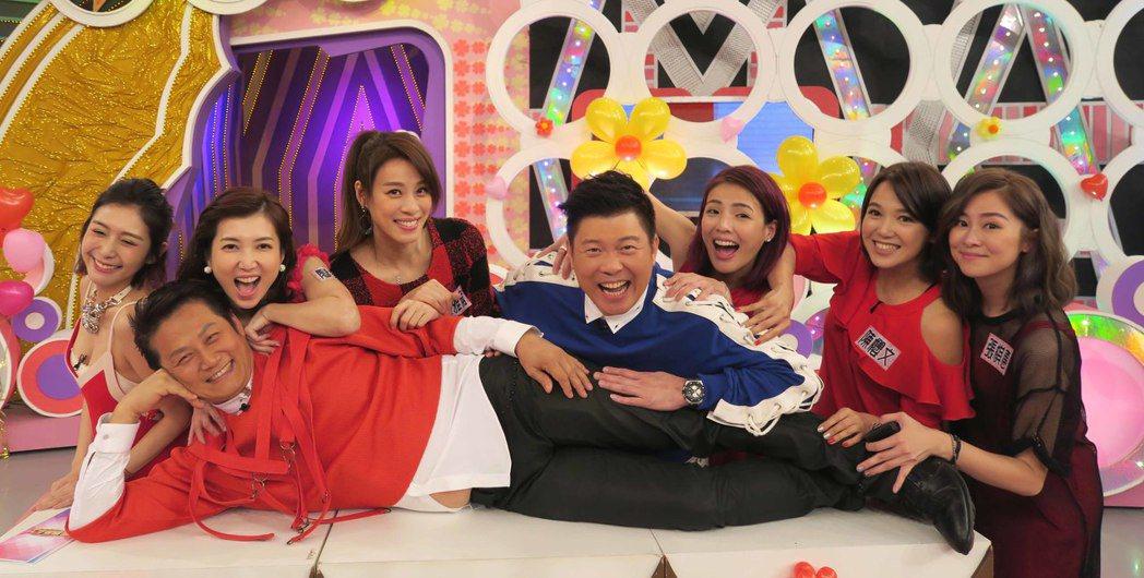 華視「天才衝衝衝」迎接五月母親節,推出「單身靚女郎V.S時尚俏媽咪」母親節特別企