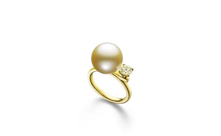 TASAKI balance class南洋黃金珠鑽石戒指,37萬2,000元。...