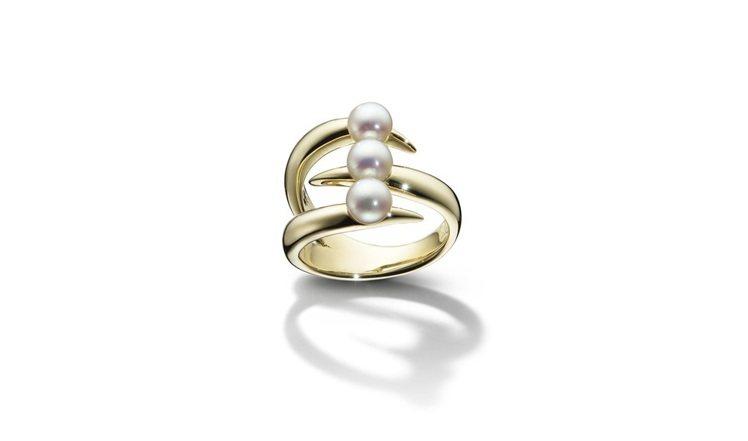 TASAKI danger claw 珍珠黃K金戒指,75,500元。圖/TAS...